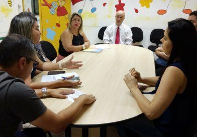 Sindicato, Comissão de Servidores e Secretaria de Educação debatem demandas dos ingressantes